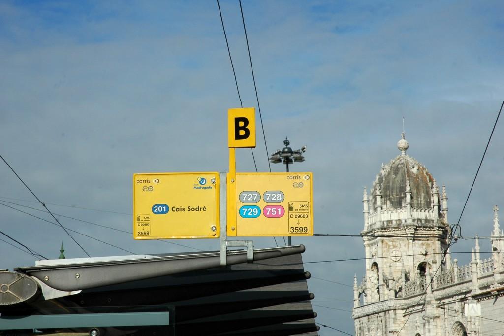 Paragem de transportes em Belém