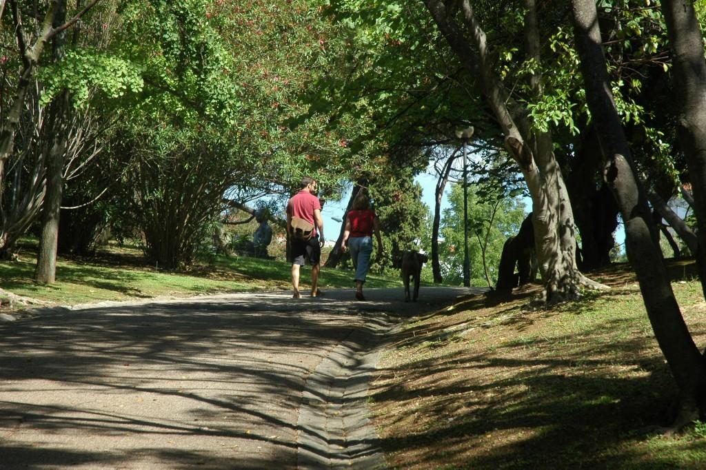 Entrada lateral nos jardins do Parque Eduardo VII - subida