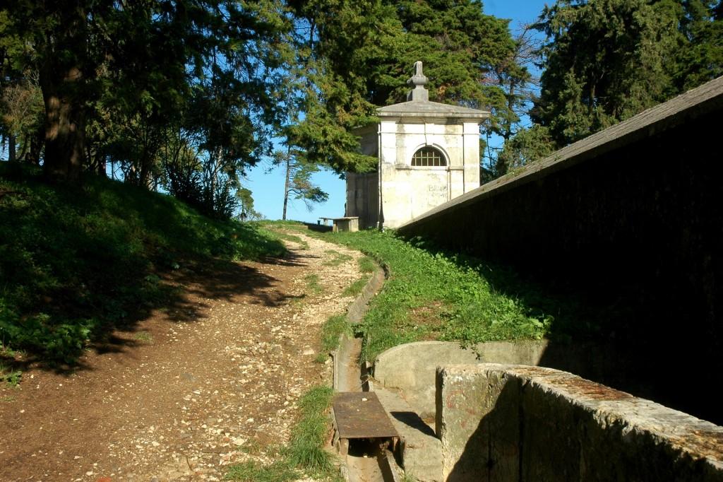 Vista para o Aqueduto do Bairro Serafina